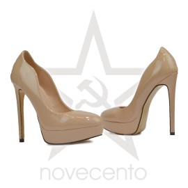 Cipela sa visokom potpeticom